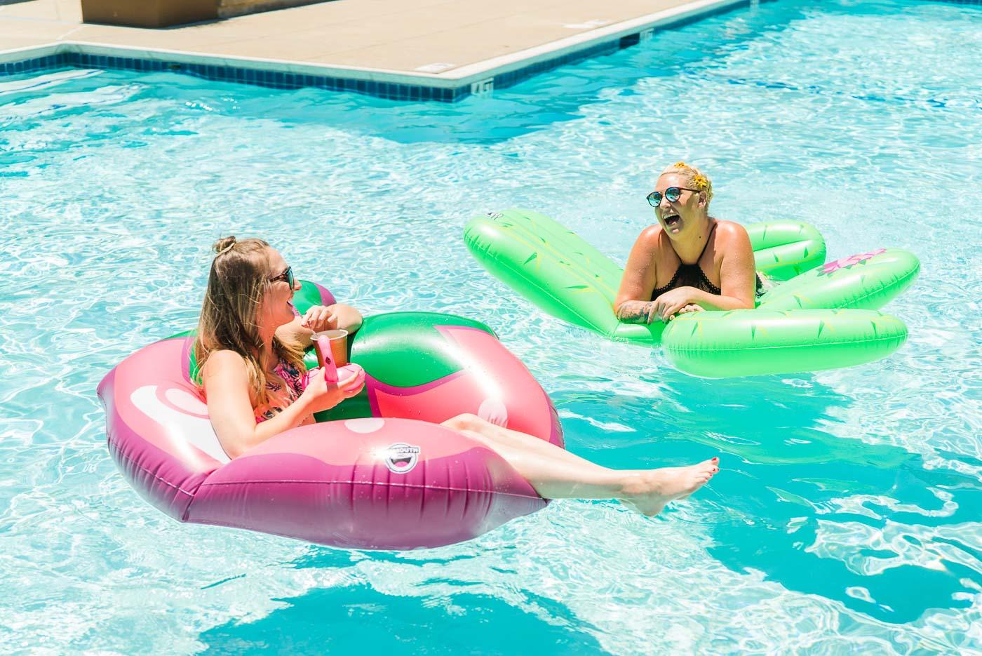 pool floaties-18.jpg