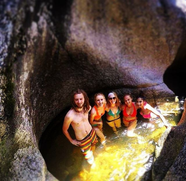 A hike through Caverna De La Rio
