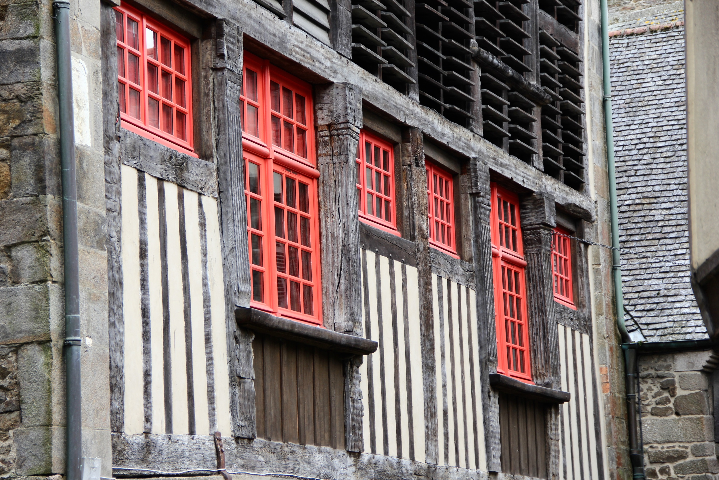Timber facade along Rue du Petit-Fort, Dinan, France