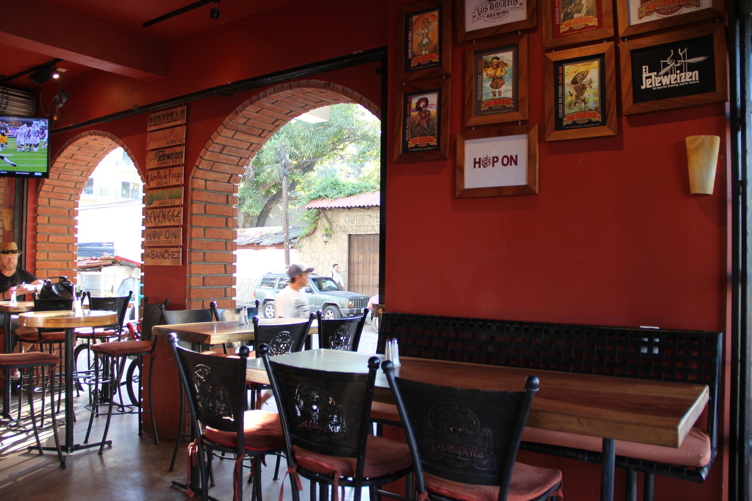Open air seating at Los Meurtos Brewery