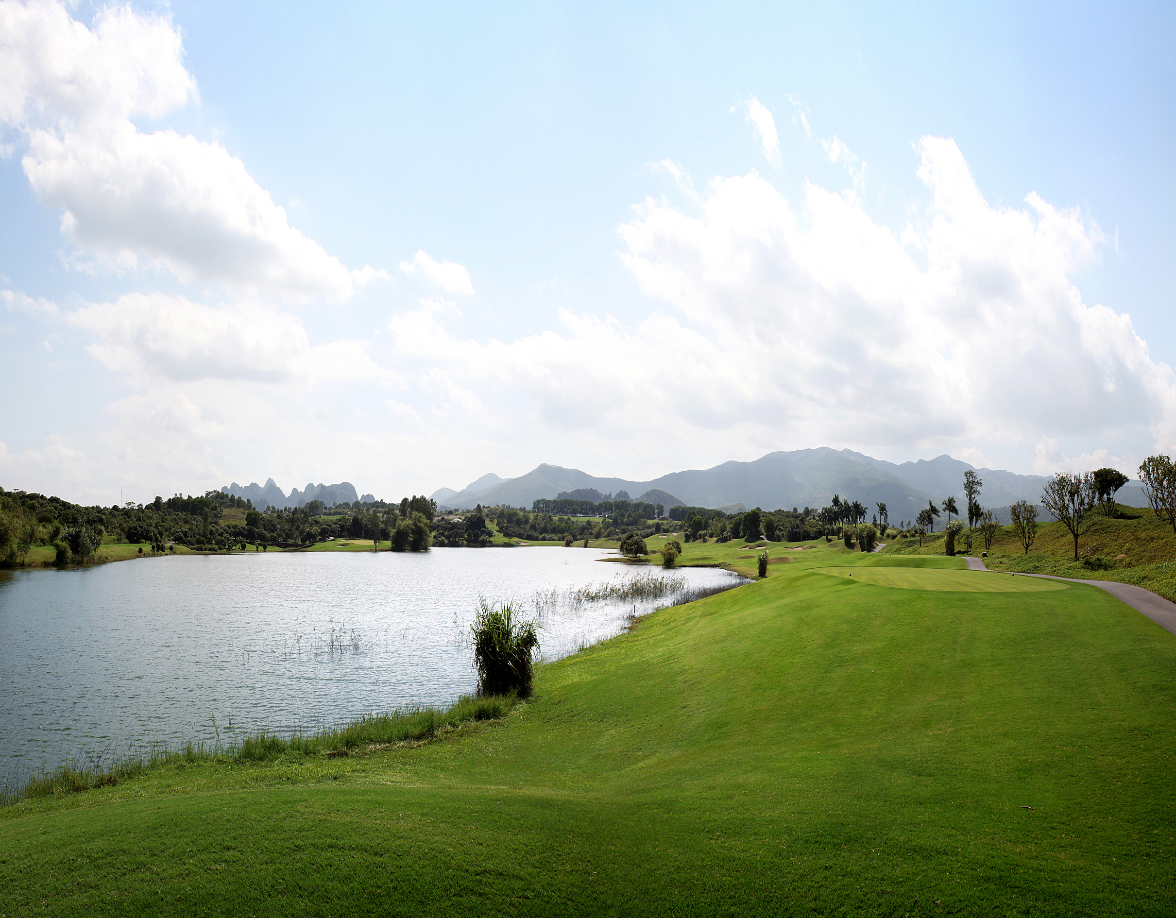 Sky Lake course