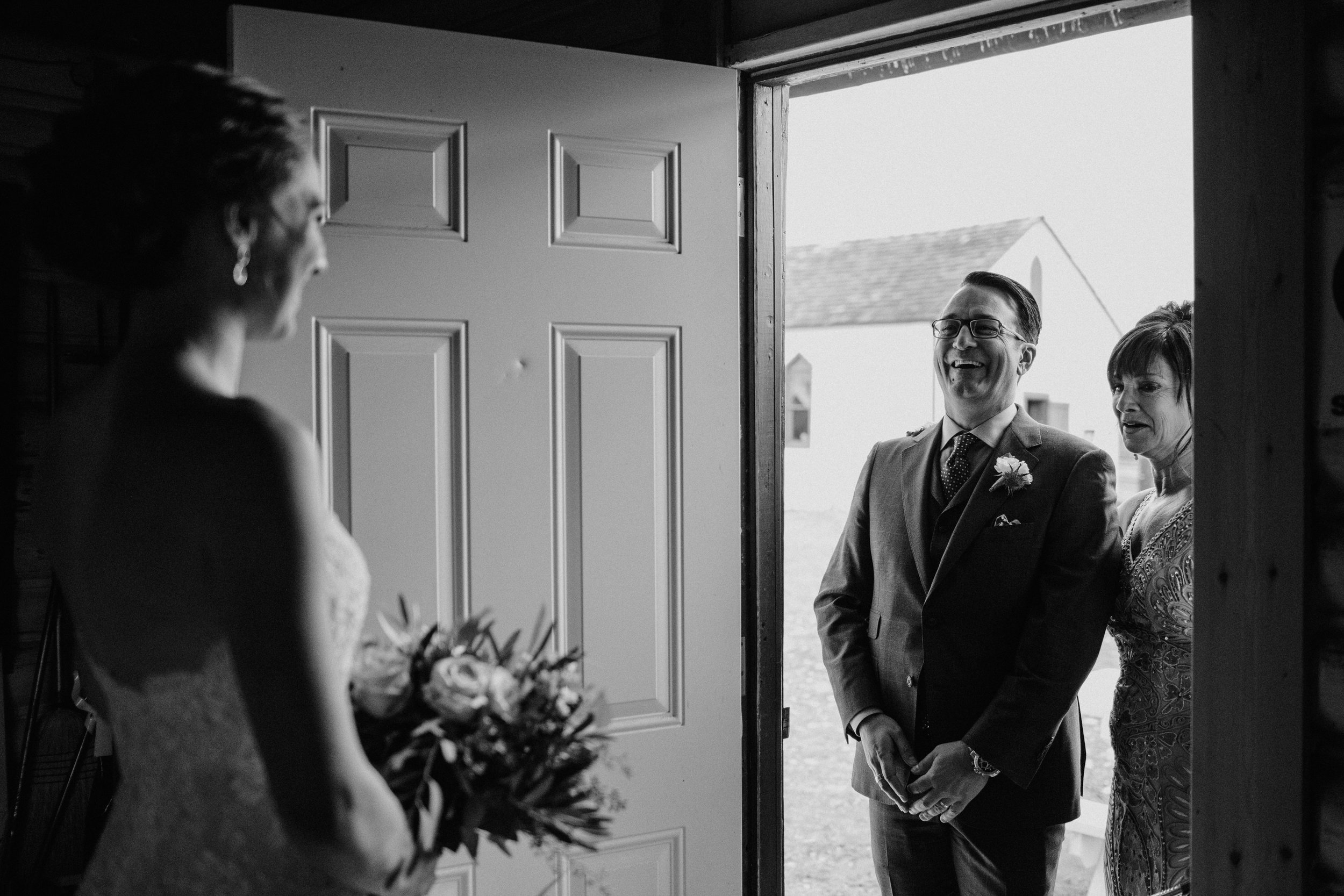 calgary-wedding-photographer-27.jpg
