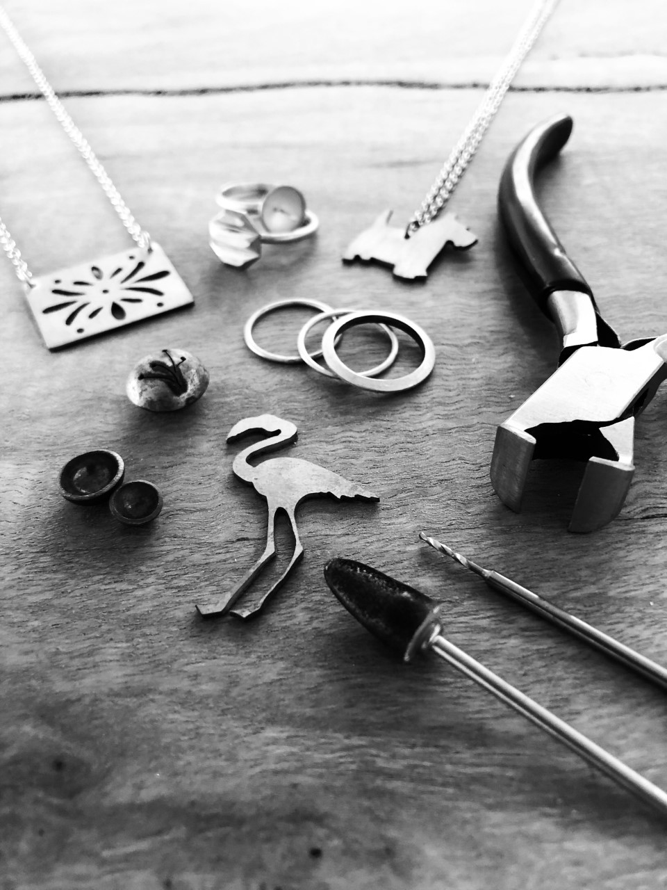 Handmade Jewellery for Beginners - Are you interested in making your own jewellery but aren't sure where to start? Sign up for this seven week night course and learn the basics in a relaxed, social environment. Suitable for absolute beginners to those with more experience, this class is a great introduction or refresher to jewellery making.