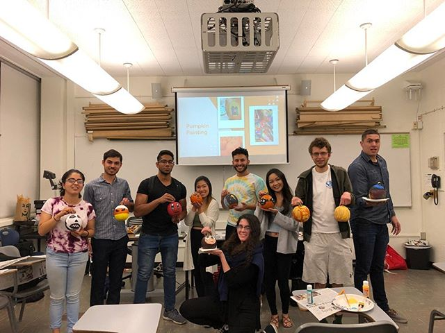 Last night, SHRM members showed their creativity by welcoming November with wonderful and festive pumpkins 🎨