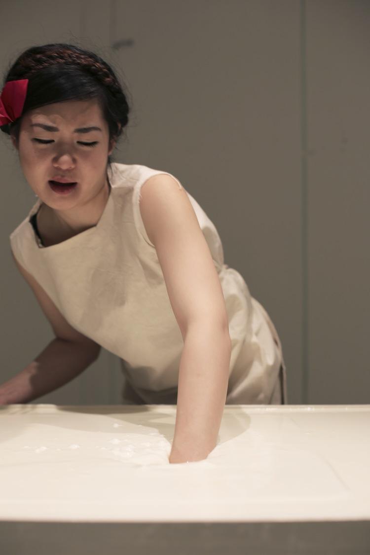 YUKO – THE TABLE THAT EATS