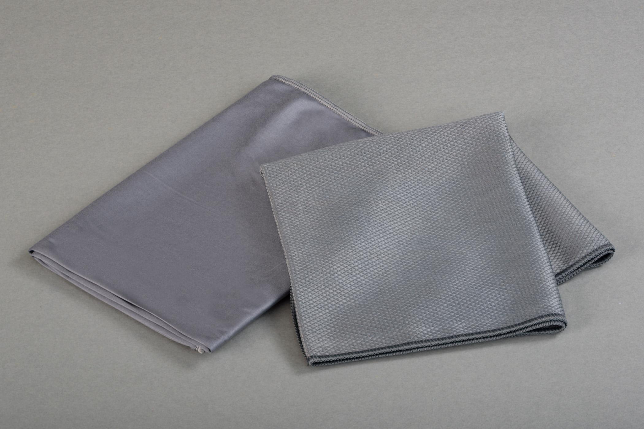 Grey silk 50x70 Micro Metallic 40x75 -