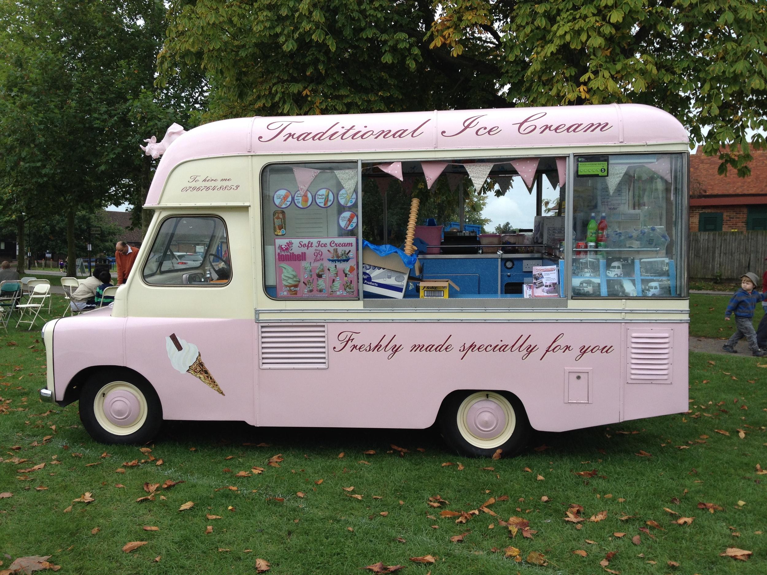 Belle - vintage ice cream van hire, Kent