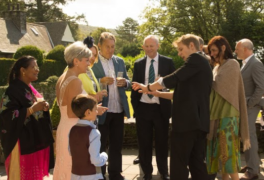 Engaging and entertaining your guests for the perfect relaxingwedding