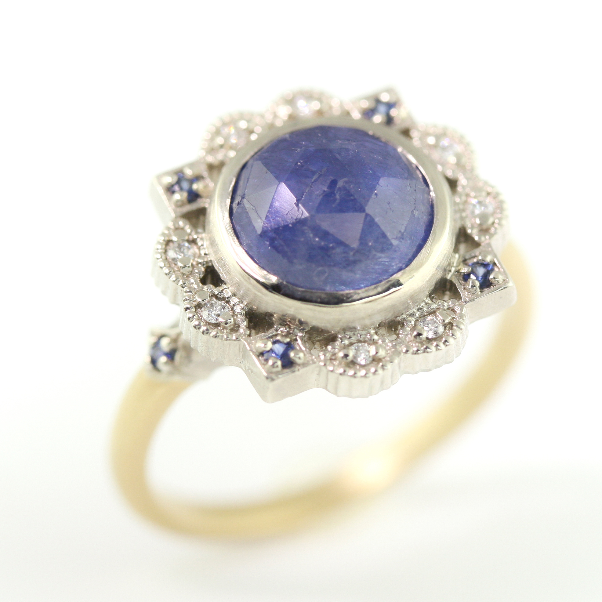 Limited_Collection_Two_Tone_Ribbon_Frame_blue_Sapphire.jpg