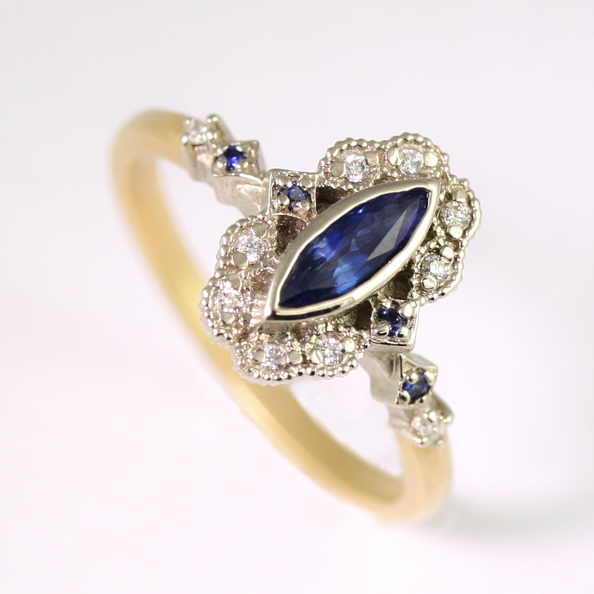Limited_collection_Ribbon_Frame_marquise_sapphire