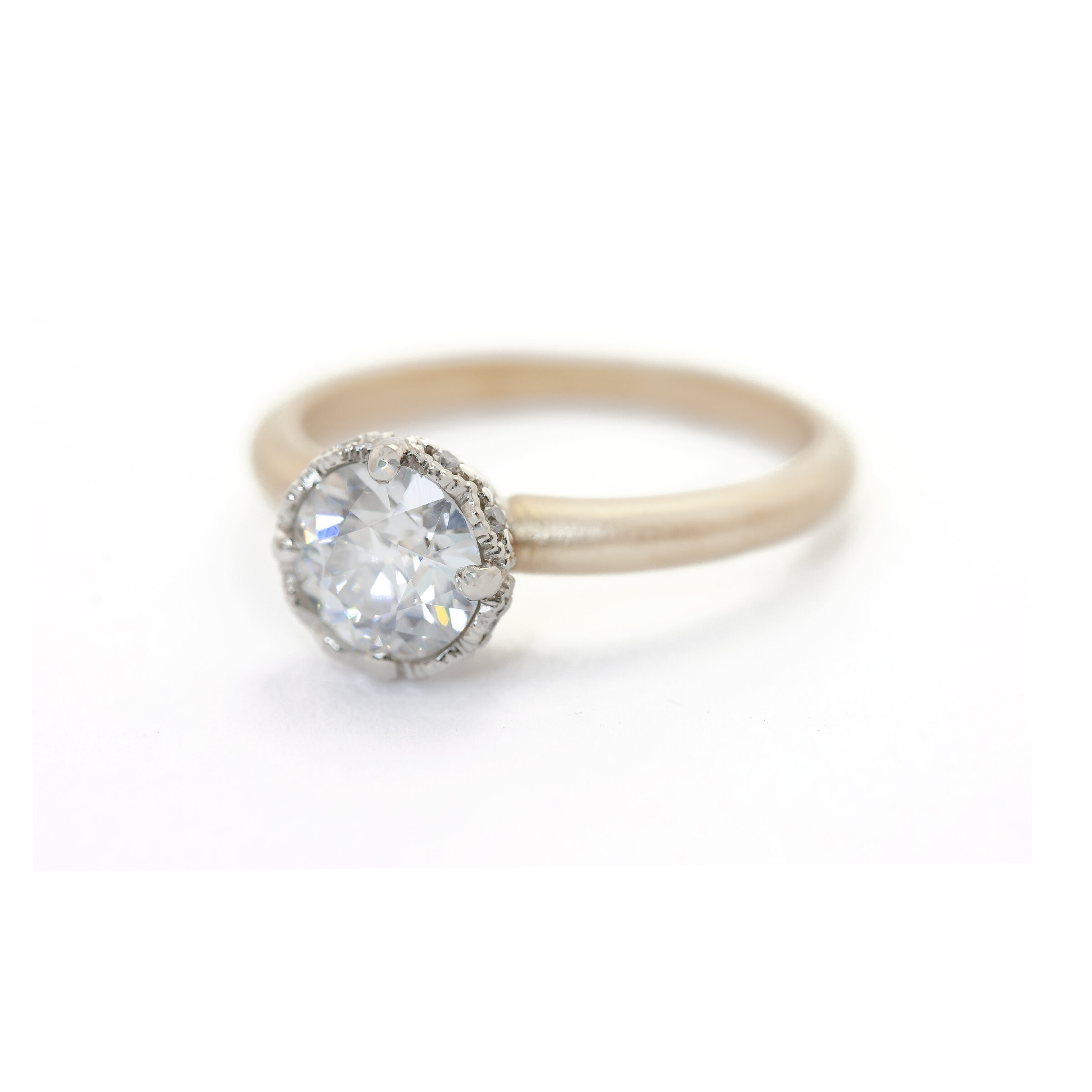Two Tone Ribbon Crown Ring (MT5441)