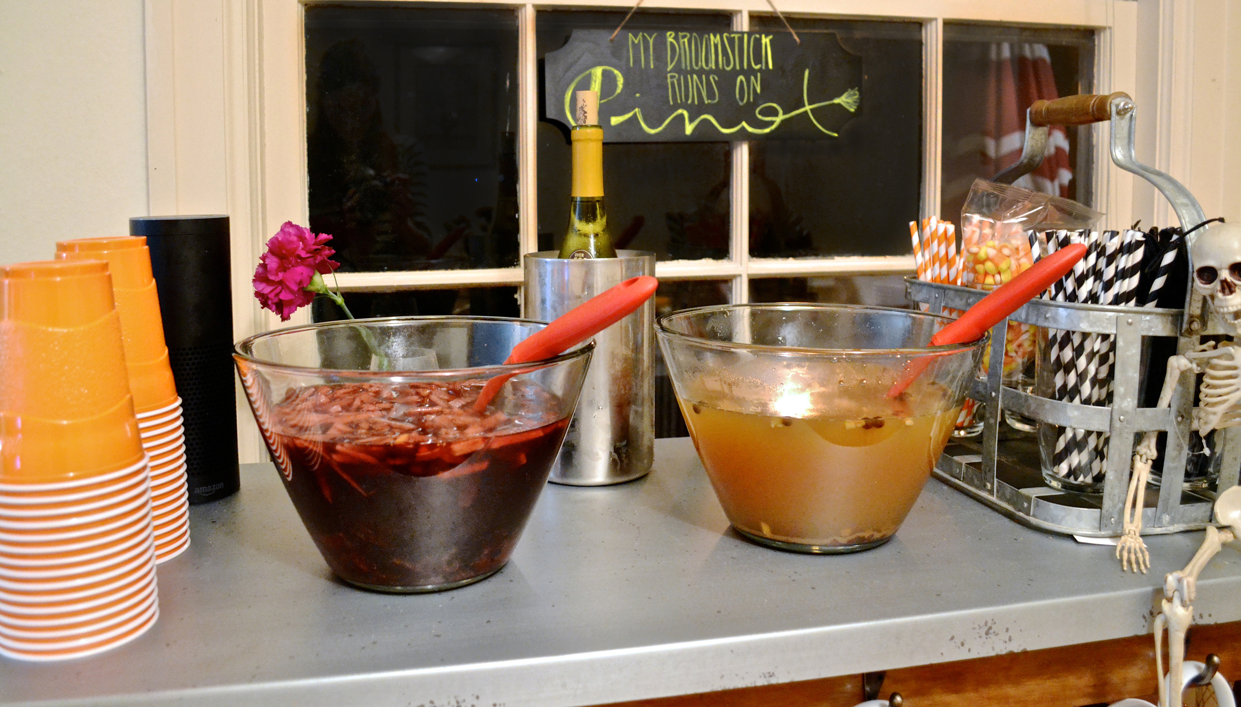 red wine sangria and mulled cider at  my fall chili party