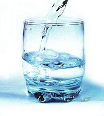 8. Om vatten.  Förklaring: Det indikerar tecken på förändringar eller förnyelse. Det kan handla om att du vill rensa bort saker ur ditt liv.