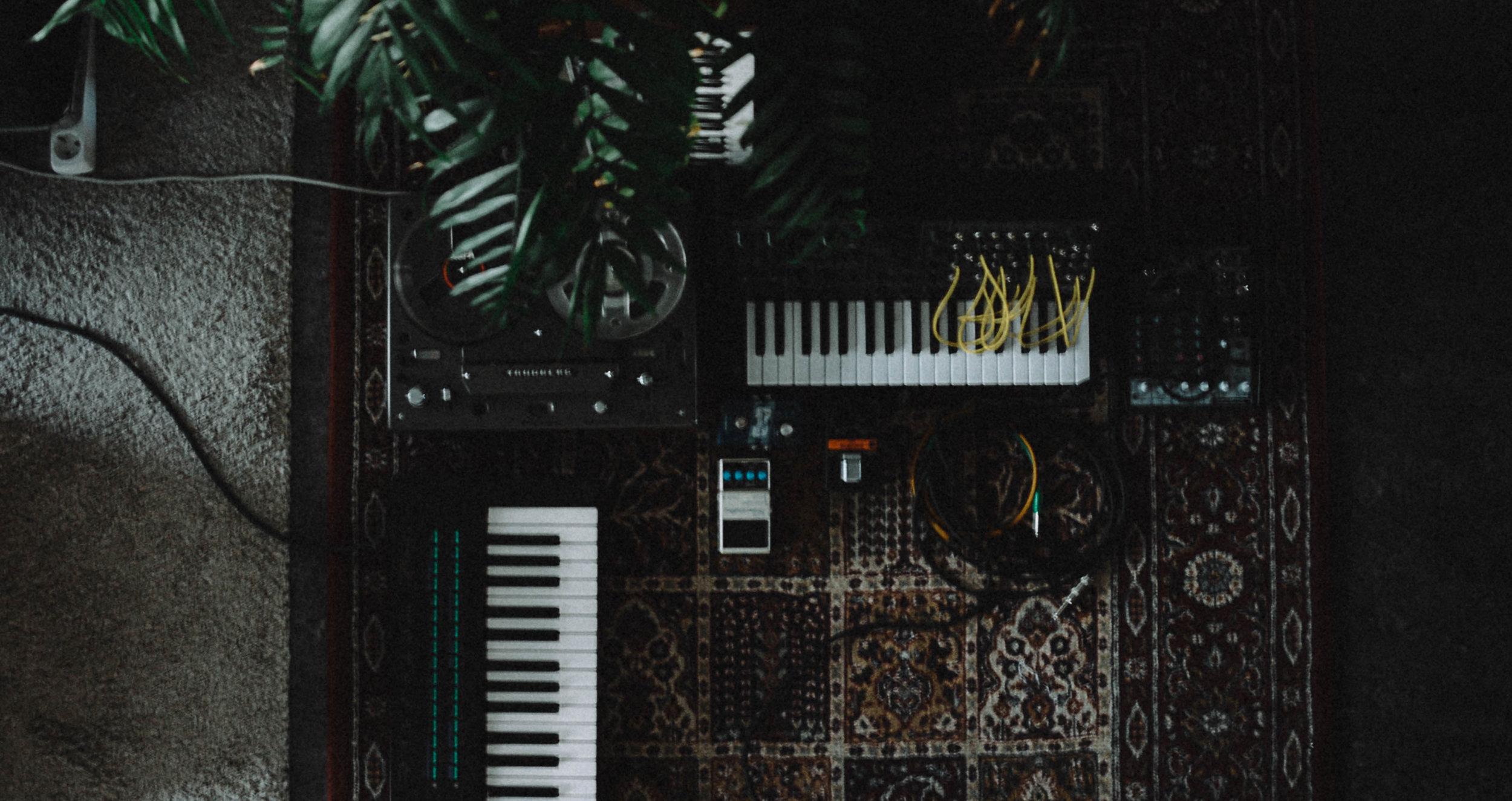 Studio shot by  Henrik Stelzer