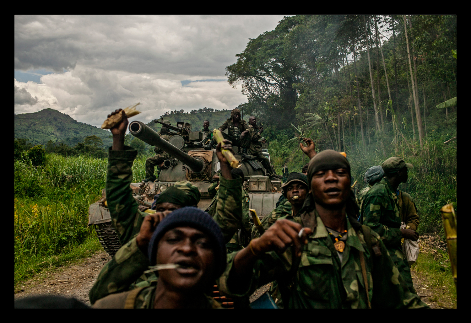 Congolese soldiers celebrate