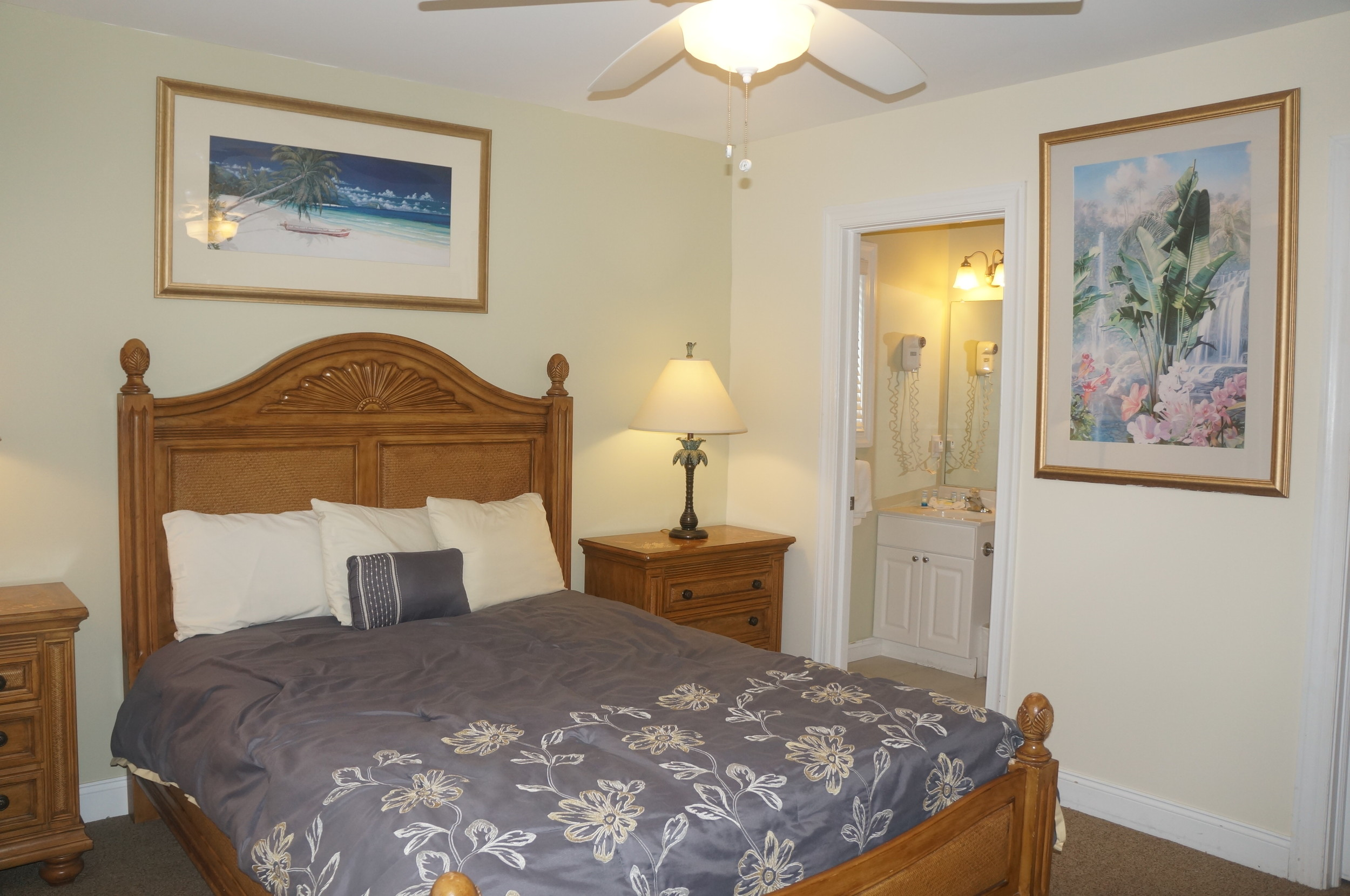 Maree.bedroom.JPG