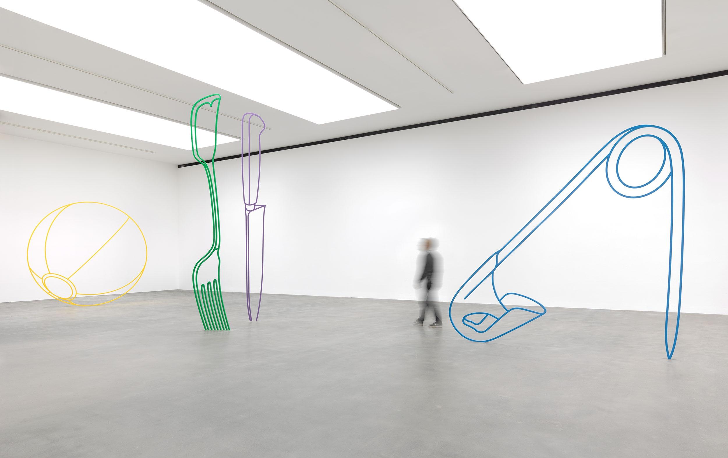 CRAIG-2019-Sculpture-Installation-view-G-(with-figure).jpg