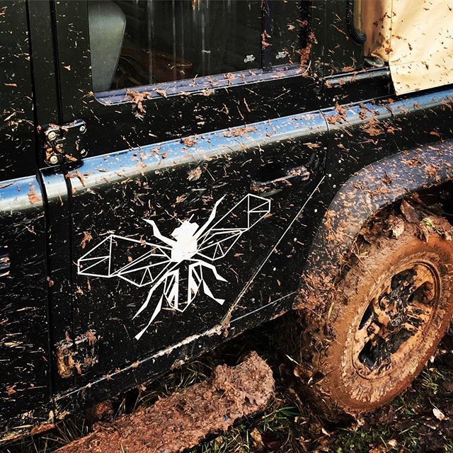 Pure filth. #defender #landrover #mud #shooting