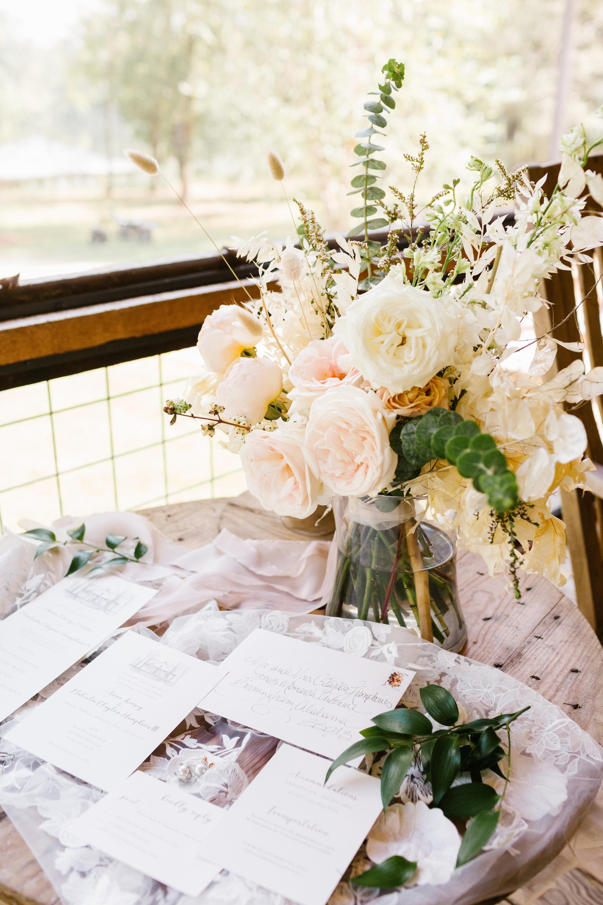 01_Bride Getting Ready_028.jpg
