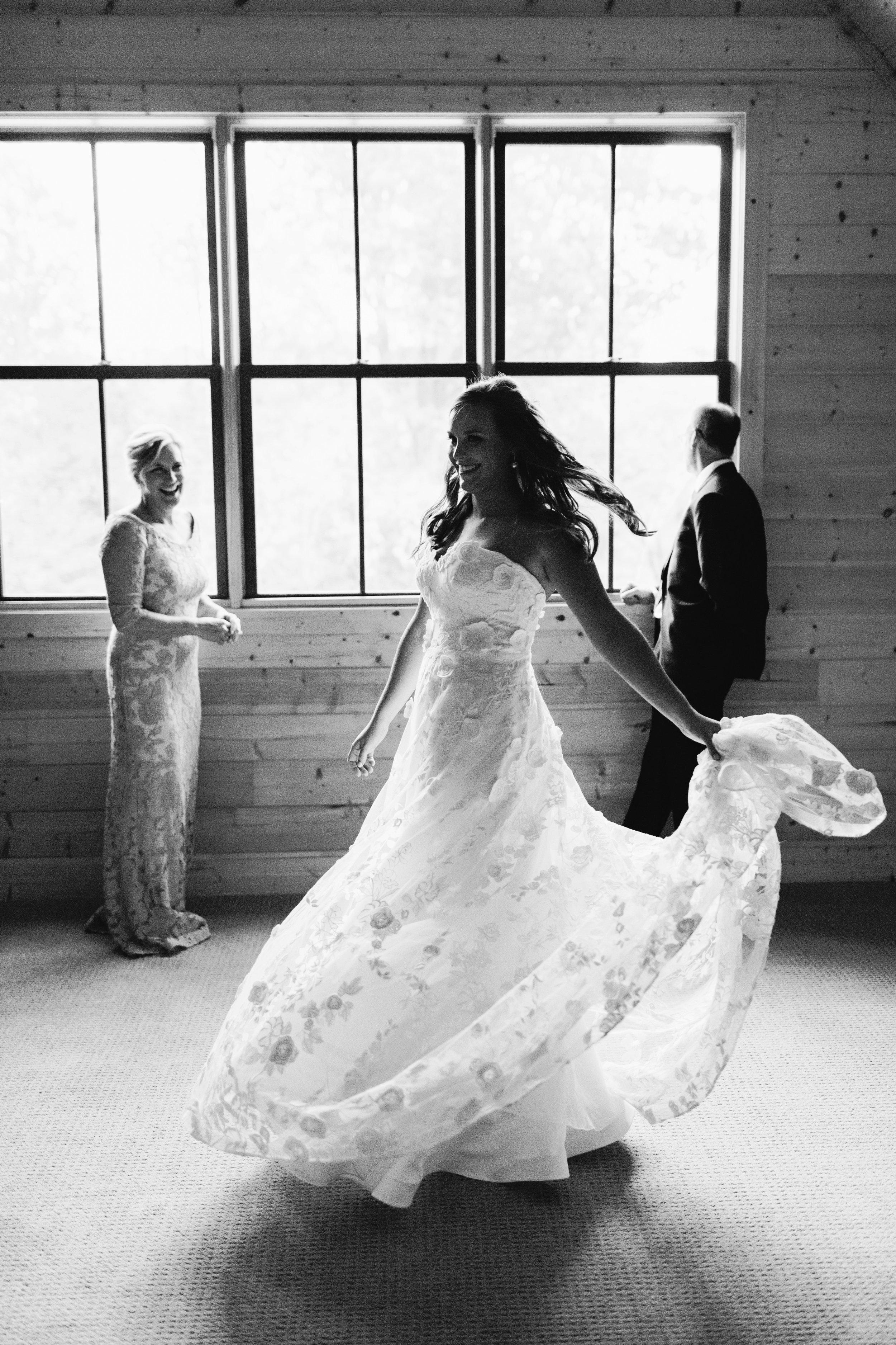 01_Bride Getting Ready_147.jpg