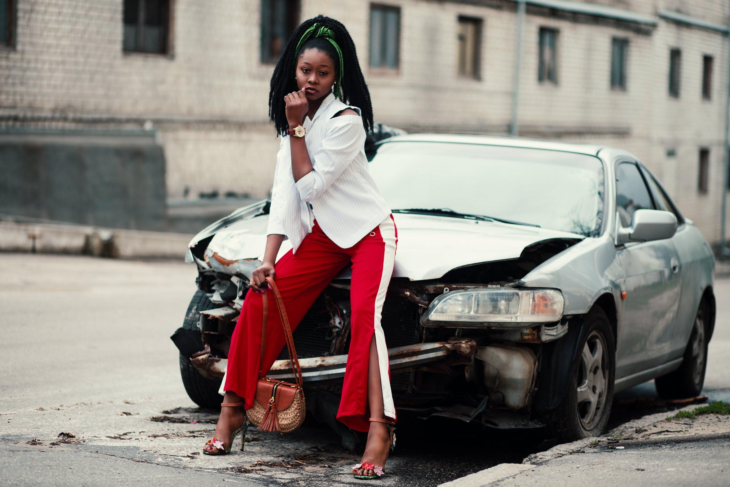 Vrouwen schade in verkeer