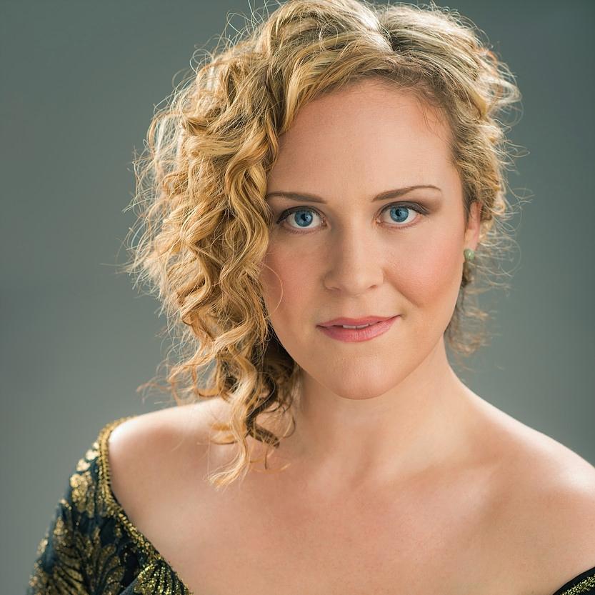 Caitlin Lynch, Soprano