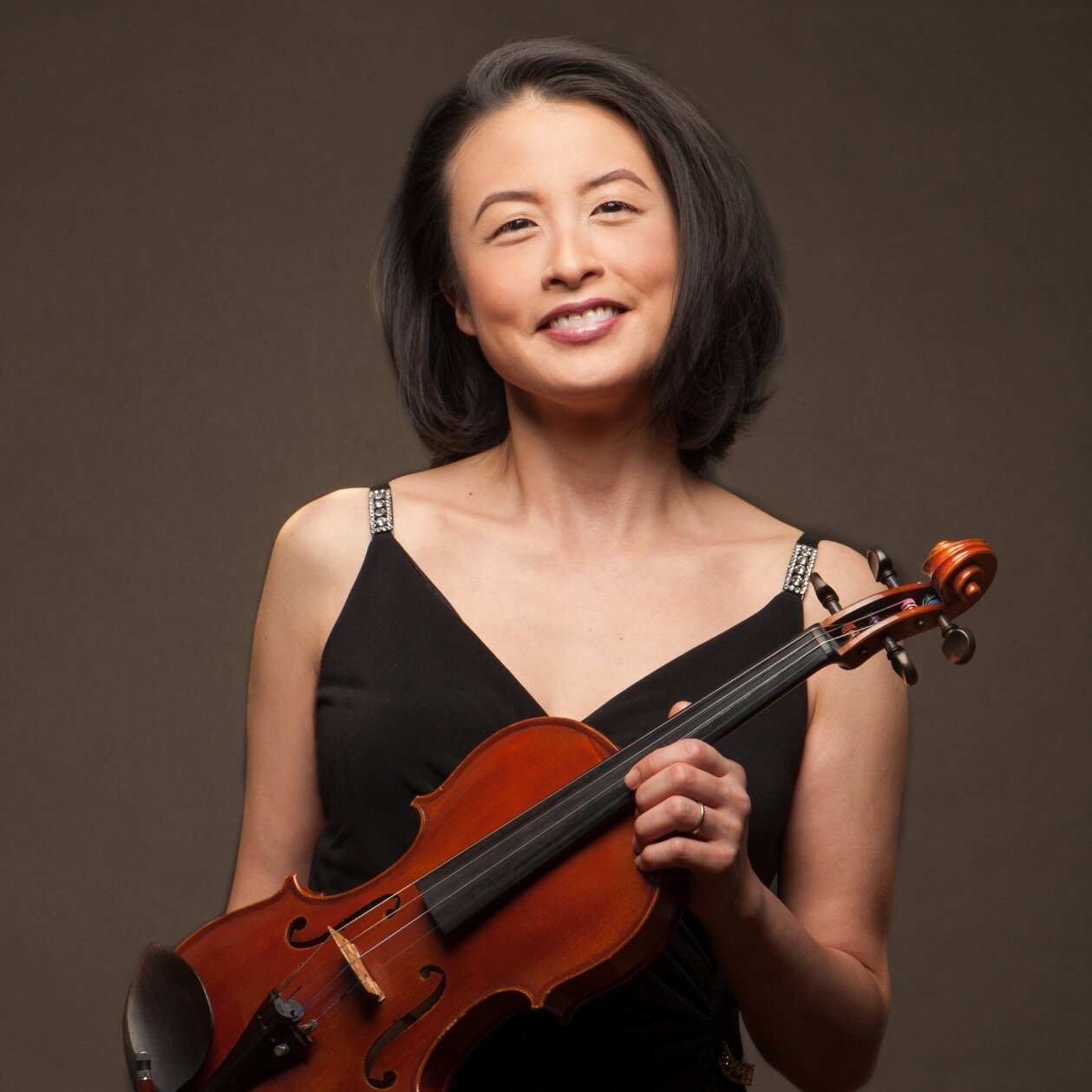 Esther Noh, Violin