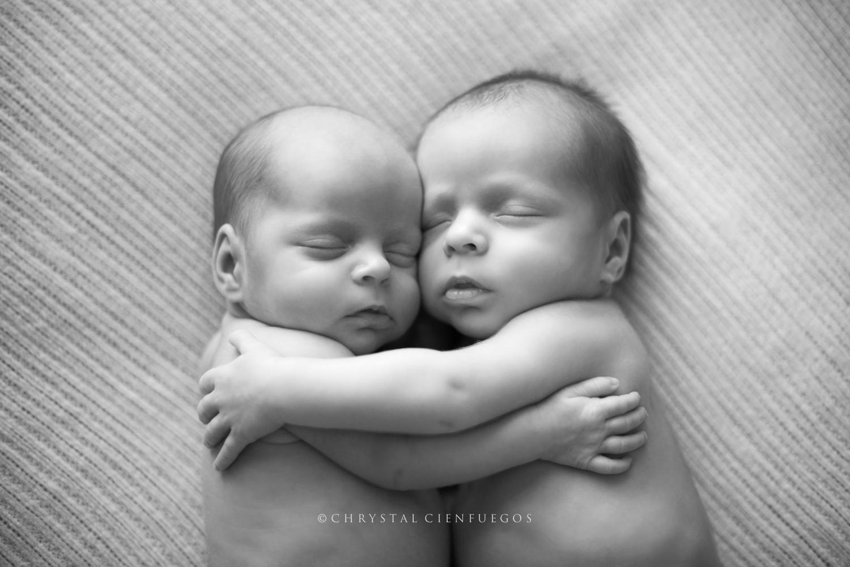 san_diego_newborn_chrystal_cienfuegos-05.jpg