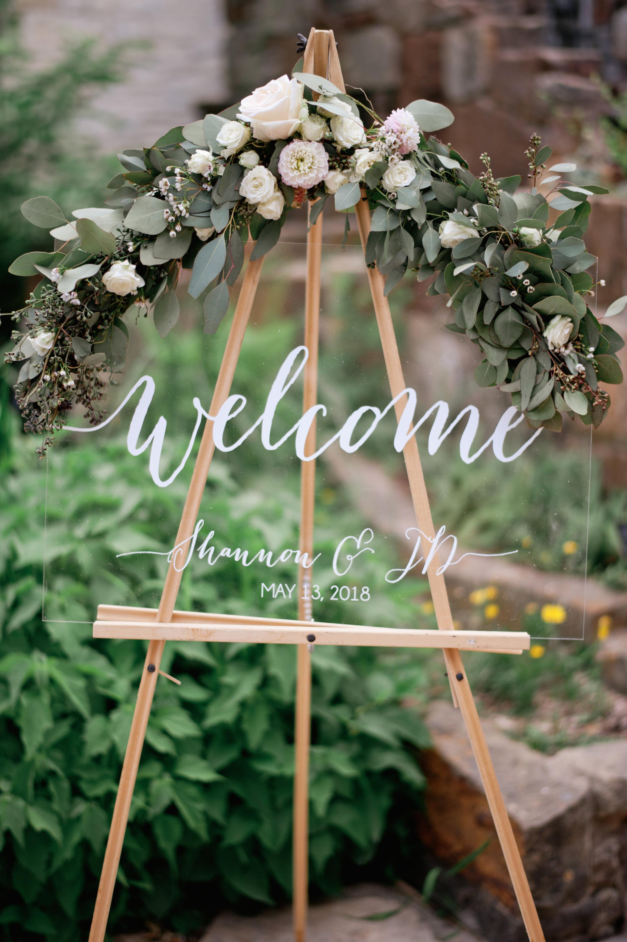 Shannon&JDWedding-Ceremony-AprilMaeCreative-11.jpg