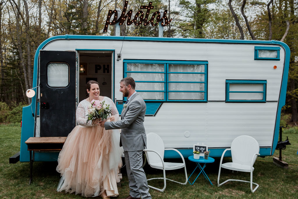 maine-tinker-photography-freeport-maine-wedding-f-maine-photo-camper-fire-and-company-food-truck-weddin.jpg