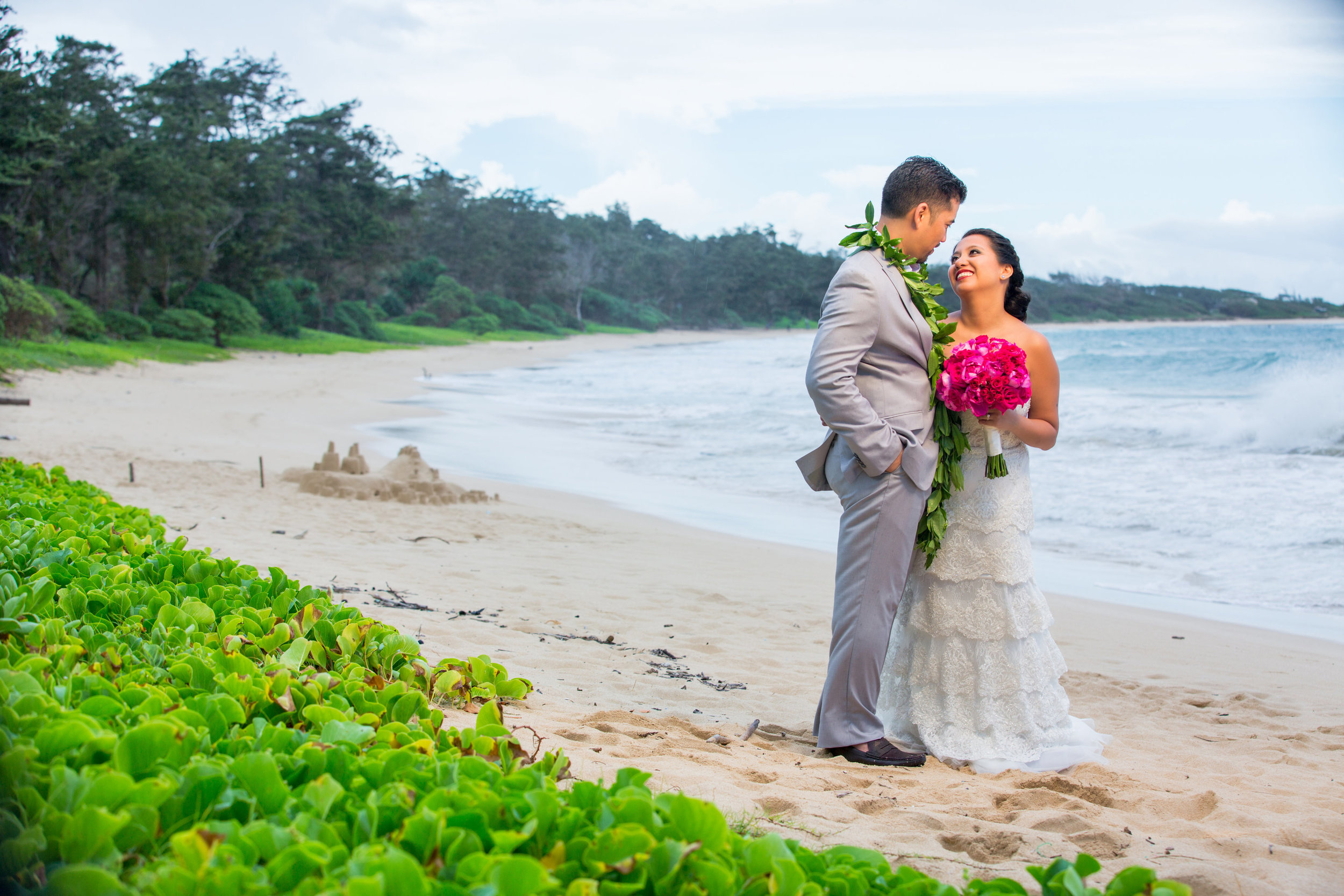 Hawaii-Destination-Wedding-Photographer-Oahu.JPG