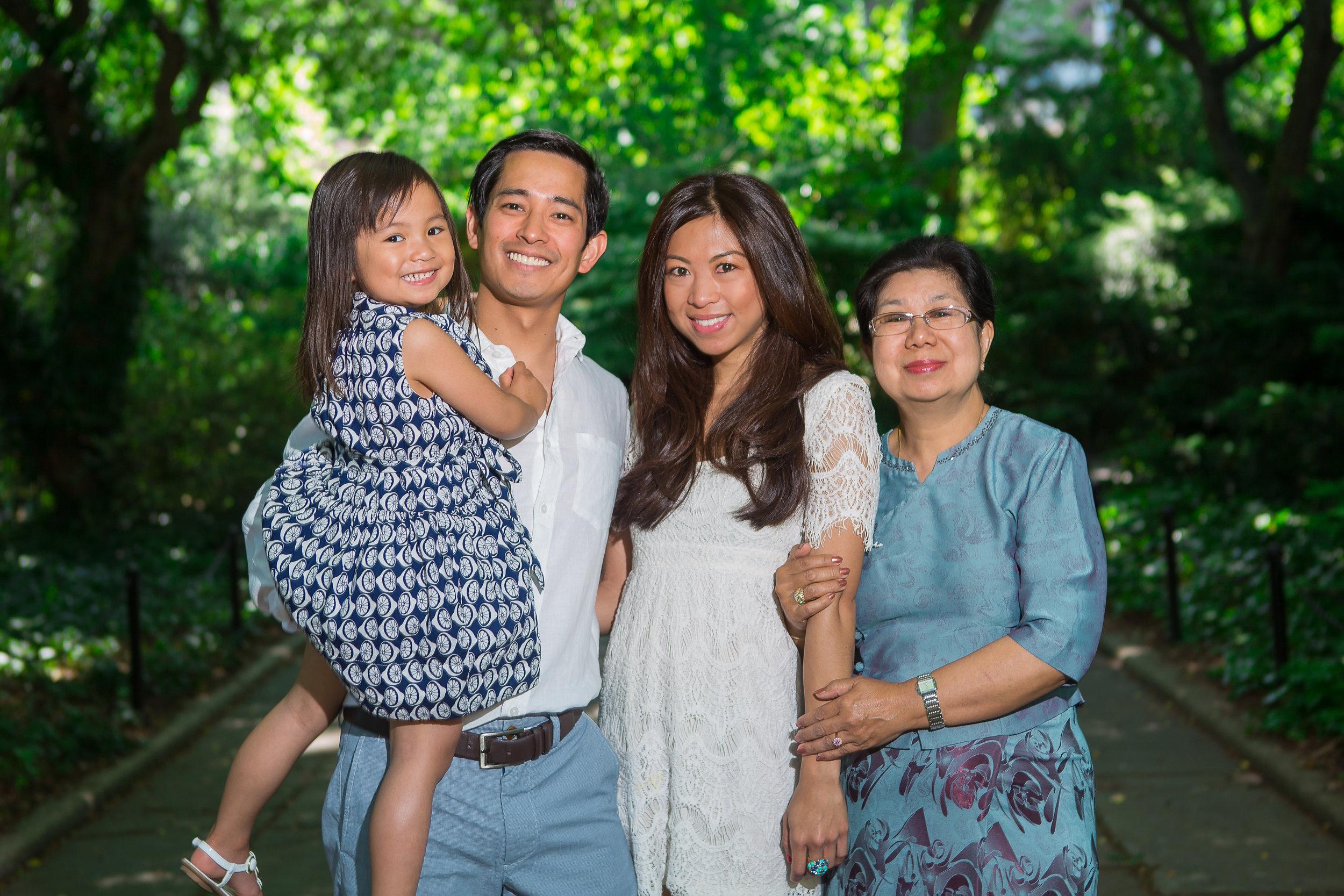 2012-05-20MimiMarkMaia-CentralParkConservatoryGarden-7.jpg