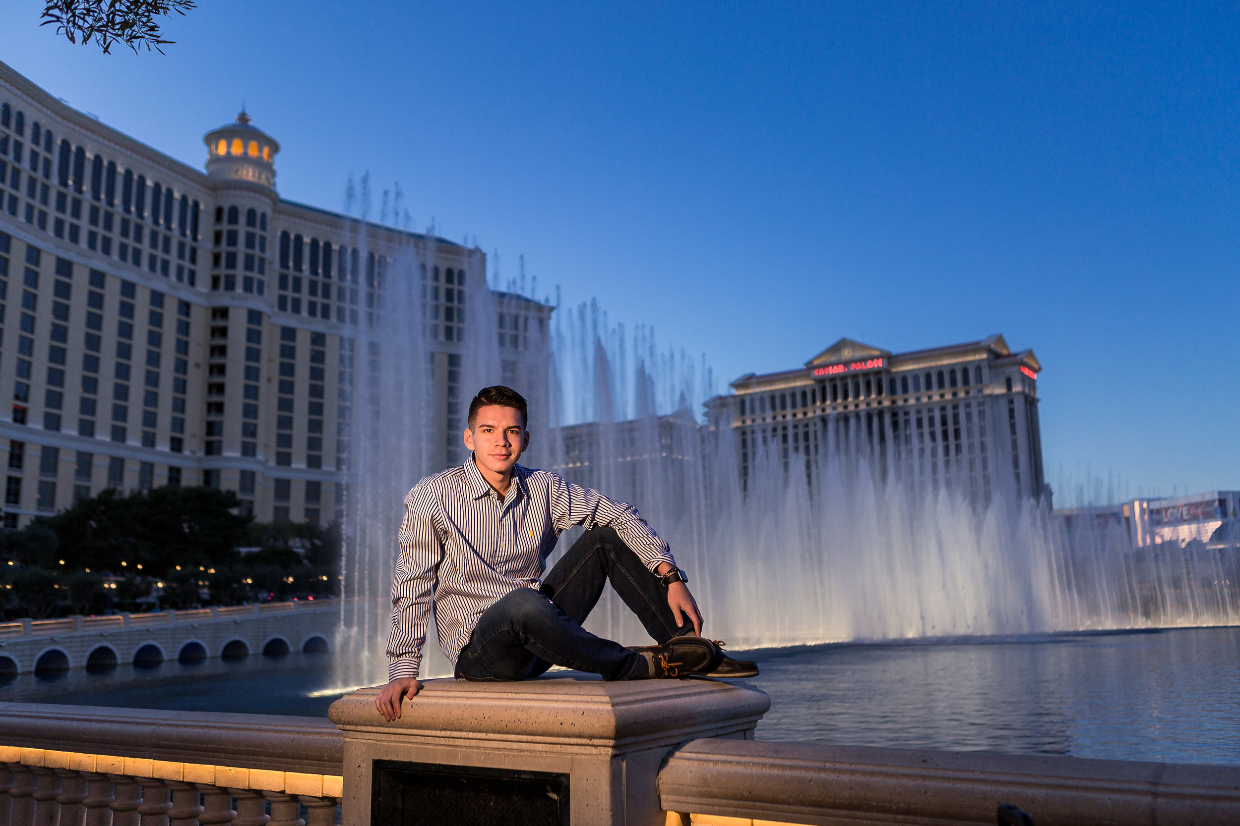 Las_Vegas_HS_Senior_Photos_Bellagio_Paris_Caesars_Portraits-0157.jpg