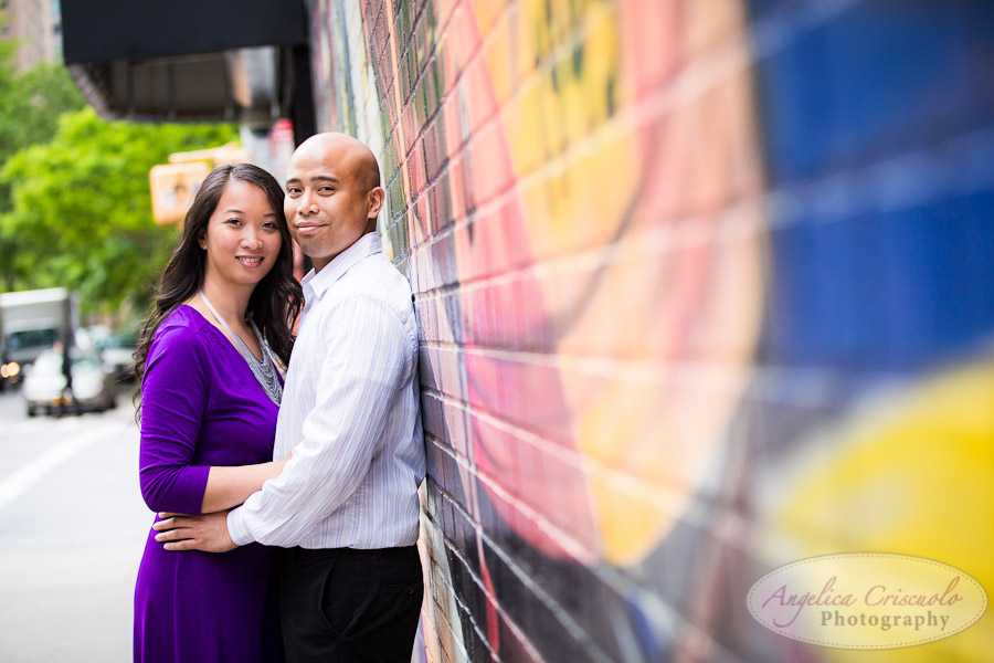 NYC_Engagement_Photography_TheHighLine_UniqueFunMural_SamanthaEugeneWEB-152.jpg