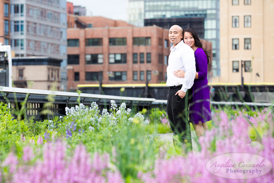 NYC_Engagement_Photography_TheHighLine_UniqueFunMural_SamanthaEugeneWEB-42.jpg