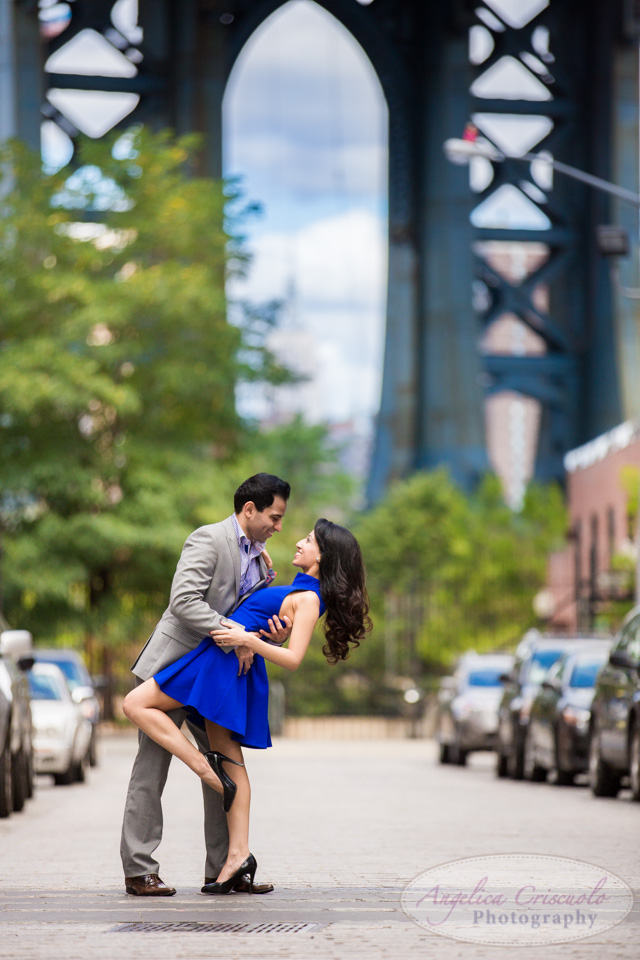 DUMBO engagement photographer in Brooklyn photography photos ideas