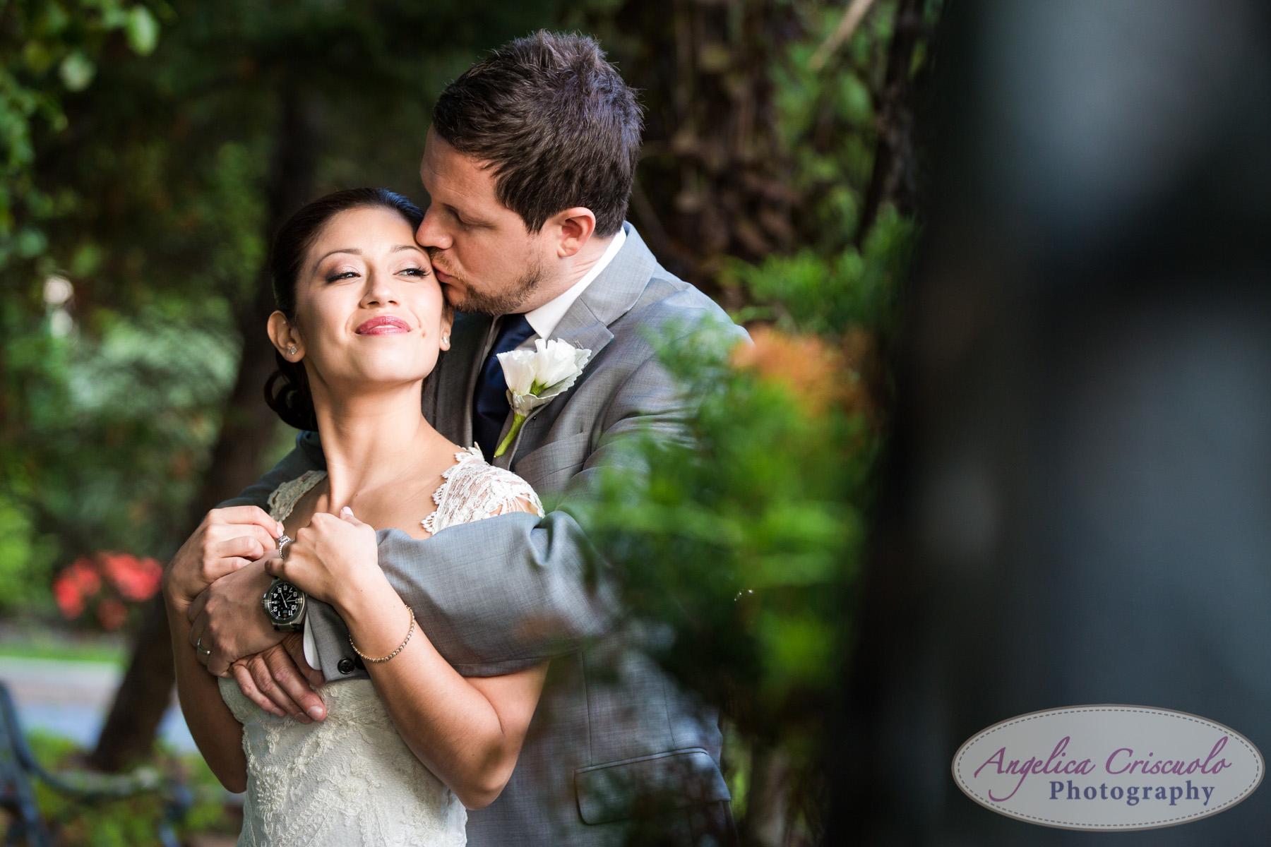 Bride and groom wedding photo ideas New York