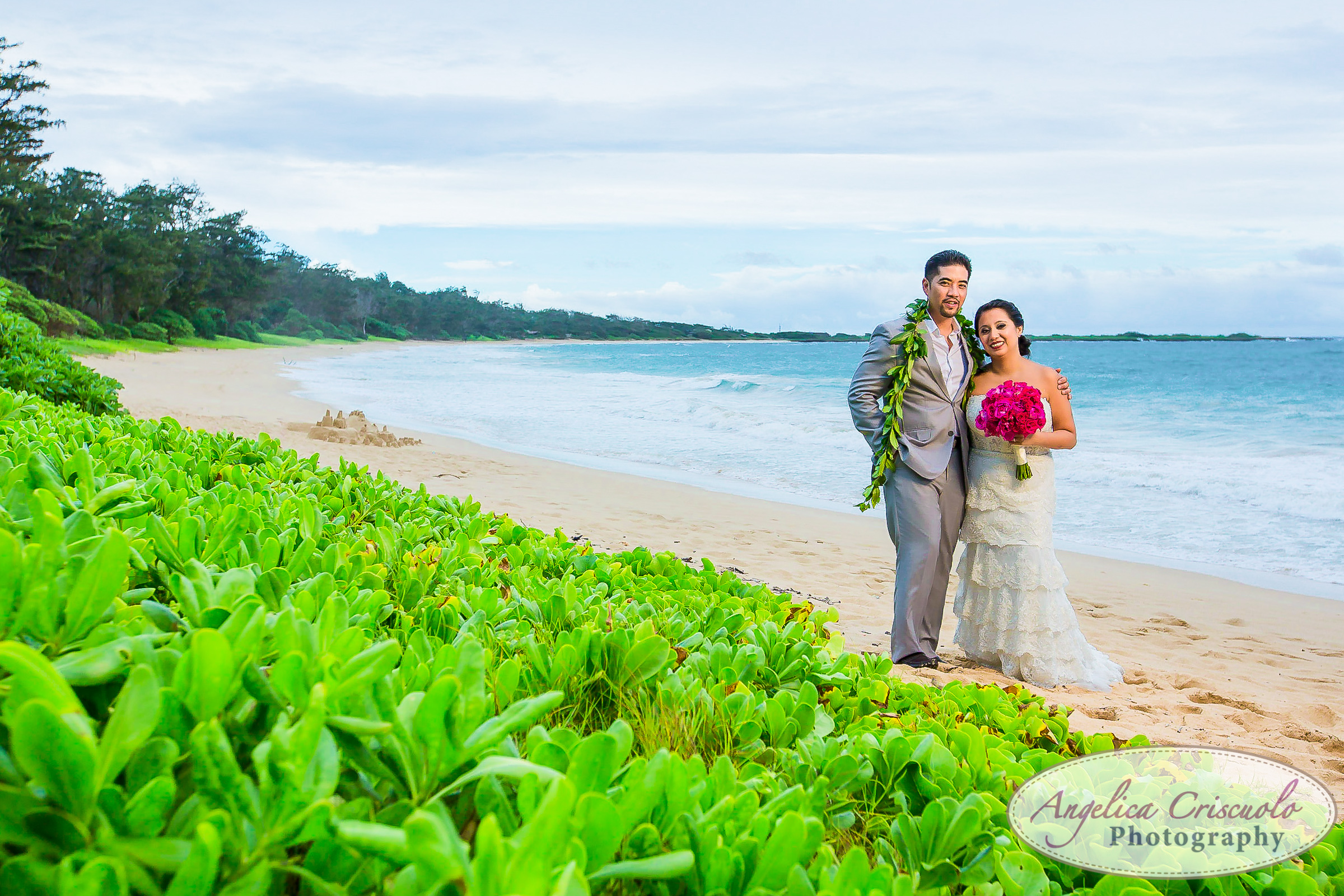 Sunset Hawaii Oahu wedding photography ideas on the north shore beach