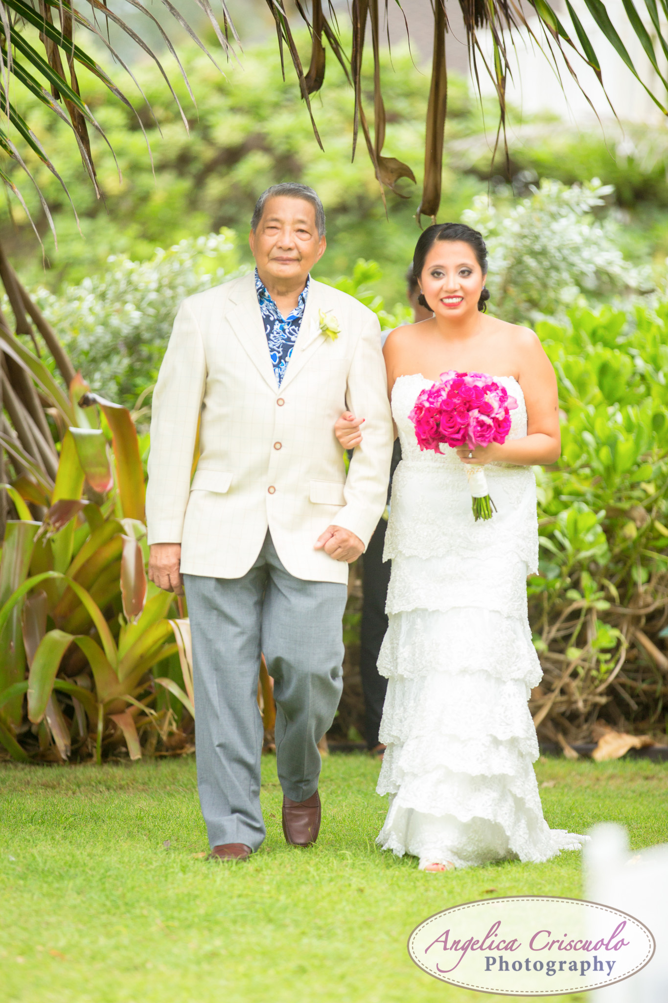 Hawaii_Wedding_Photographer_Oahu_Destination_web-345