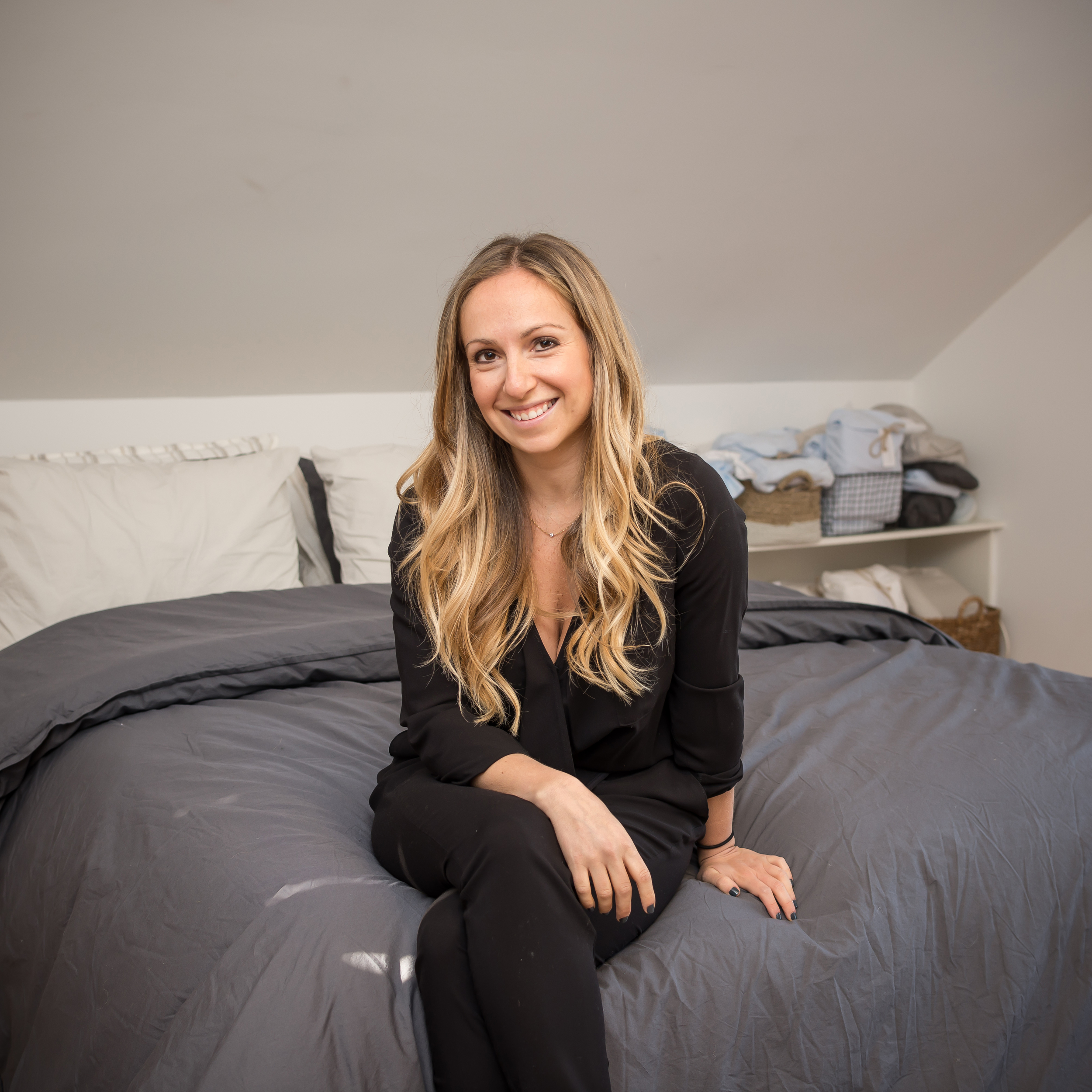 Parachute Home CEO Ariel Kaye at home in Los Angeles // Parachute percale sheets in Ash