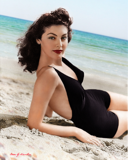 The classic black swimsuit will never be out of fashion. -