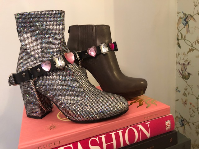 4.Easy craft project. - Simply glue your jewels, beads or sparkles on to the leather, leave to dry and add to any boot!