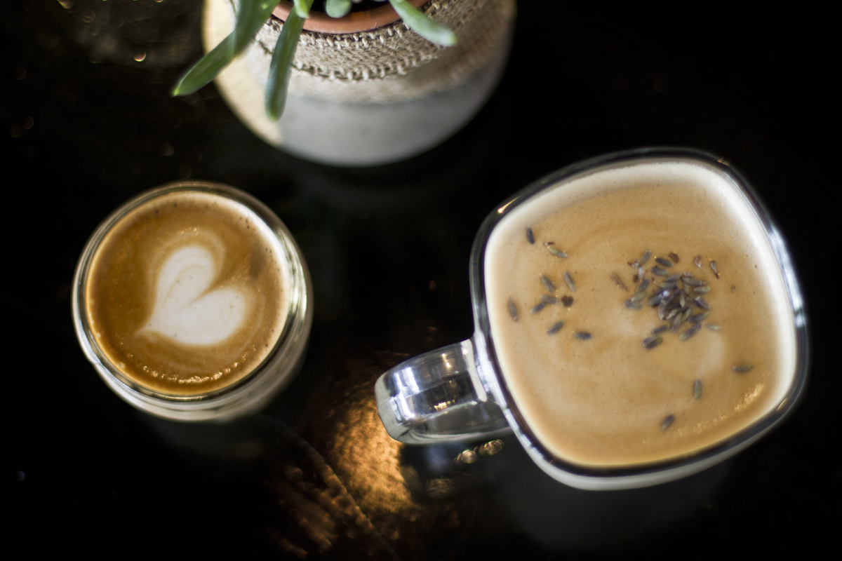 The delicious cortatido and the light and aromatic lavender-infused latte.