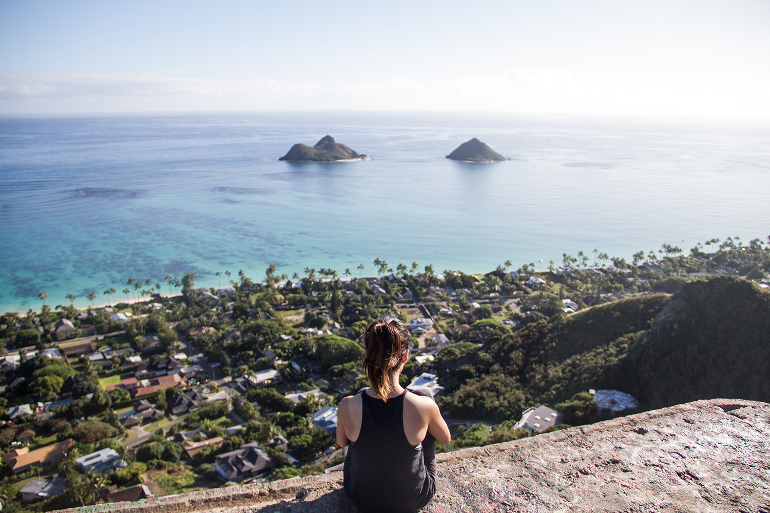 Lanikai Pillbox Trail offers a breathtaking view of the Mokolua Islands, Kailua and Waimanalo in a relatively easy and short hike.