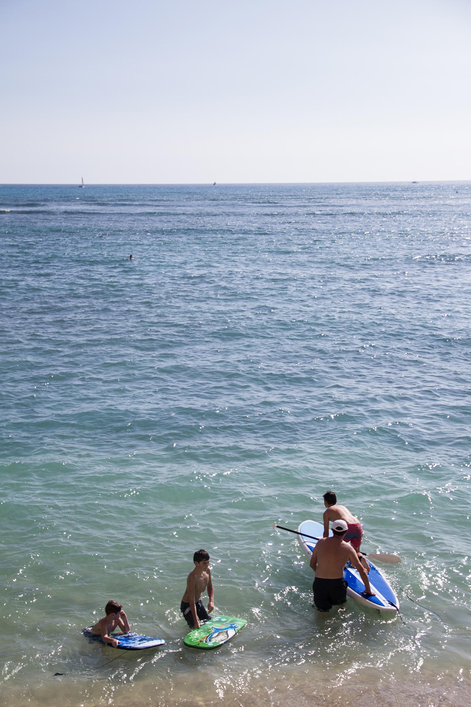 Family-friendly Waikiki Beach.