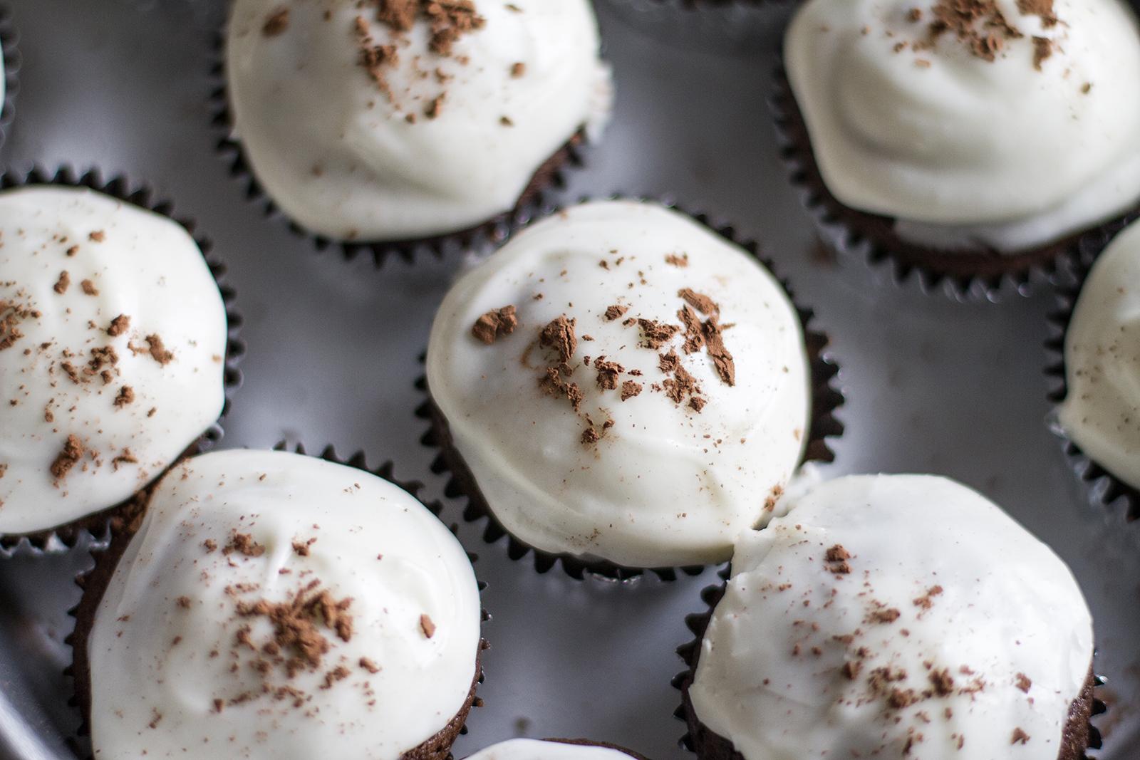 guinness cupcakes | desertfroth.com