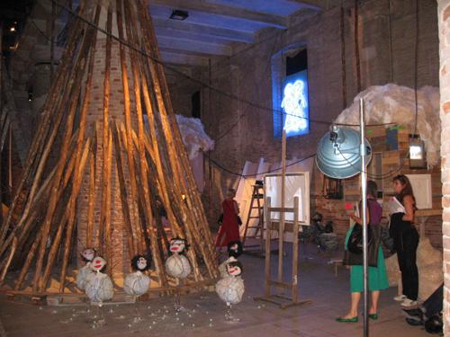 HUMAN BEING @ WORK - P. M.Tayou   Vista dell'installazione / Installation View