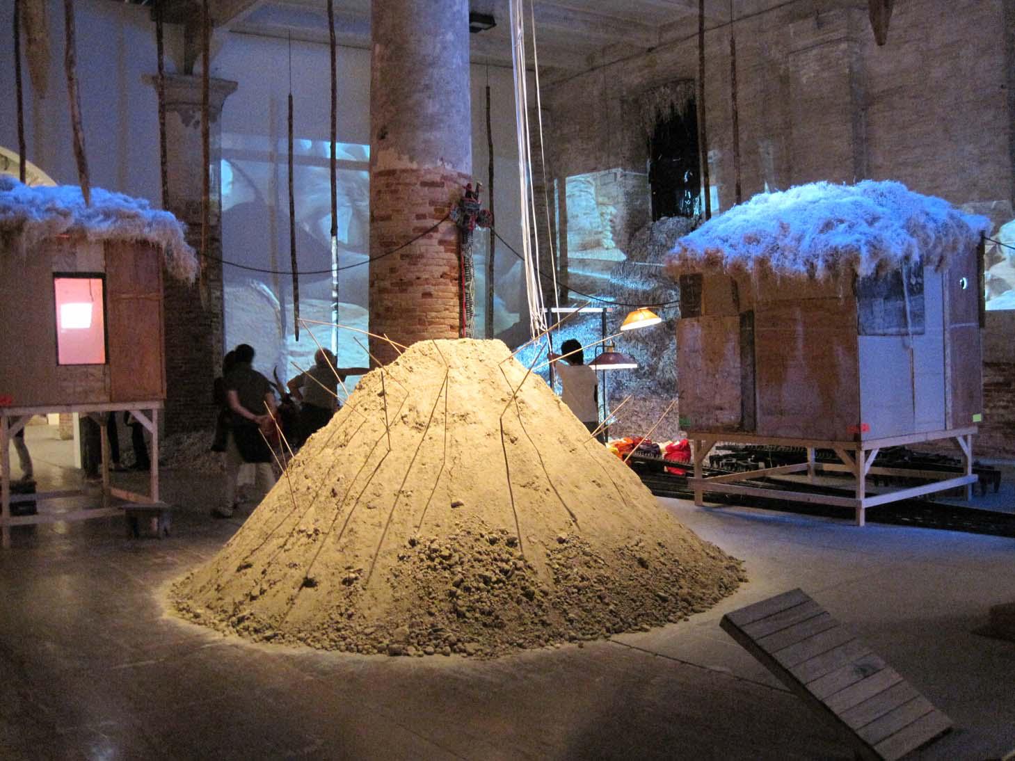 HUMAN BEING @ WORK - P. M. Tayou   Vista dell'installazione / Installation View