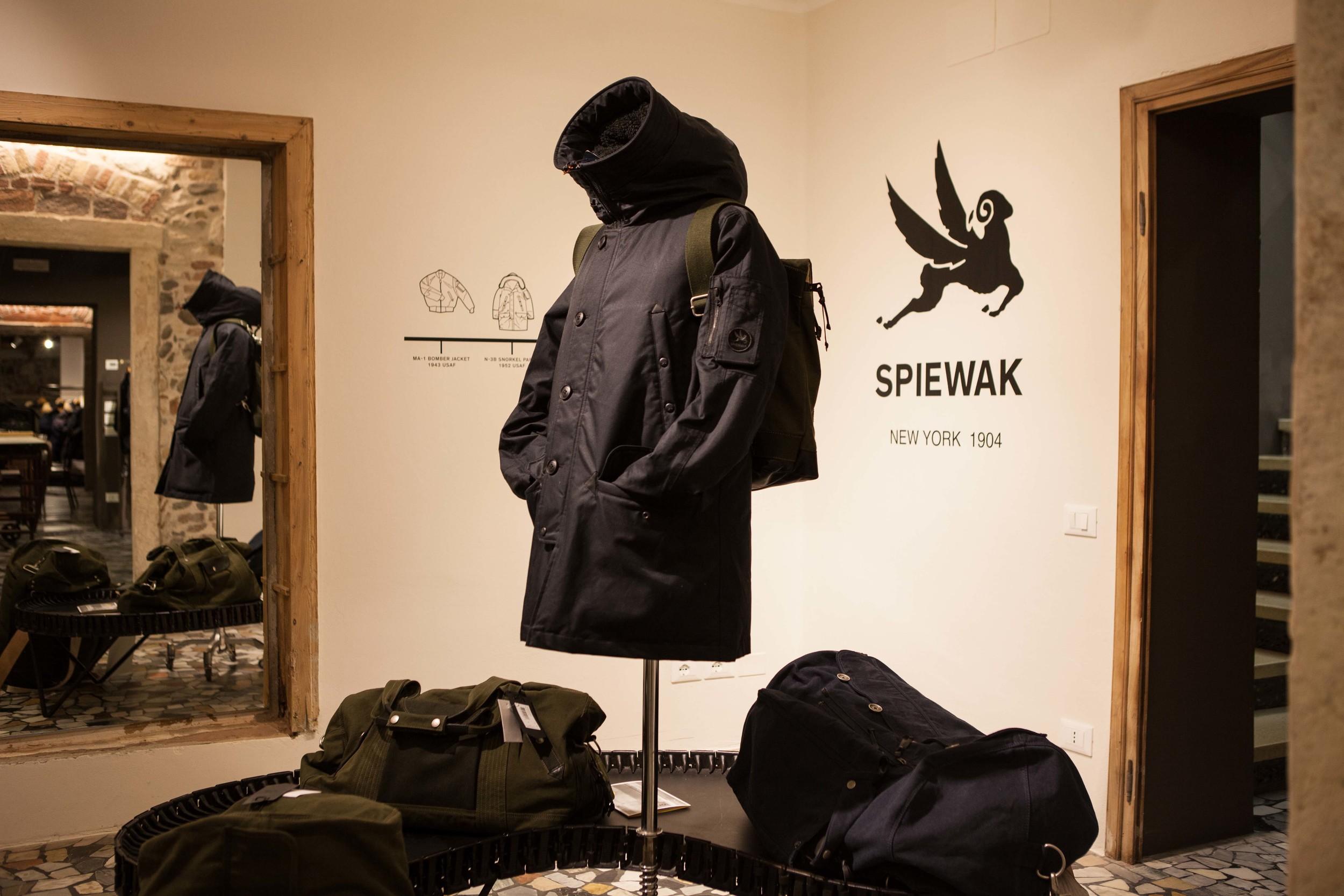 STEFANO LORA SHOW ROOM – per SPIEWAK, Brendola (VI)  - 2015