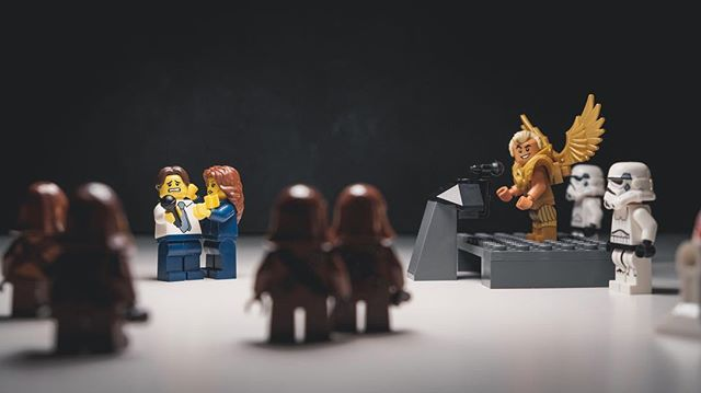 The Briefing . . . . . #jimacosta #pressfreedom #freespeech #cnn . . #lego #legoart #bricknetwork #minimalarkey #legolovers #toyphotography